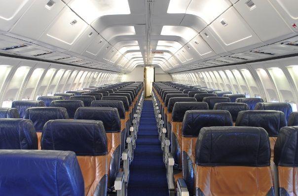 Boeing 737 300 salon 1 - Boeing 737-300