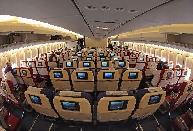 Boeing 747 200B salon 1 - Boeing 747-200B