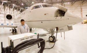 JET CENTR BOING 1 300x183 - США установили пошлины на экспортируемые самолеты Bombardier в размере 292%