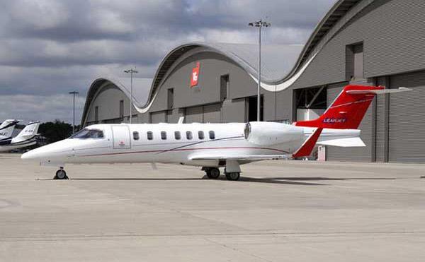 Learjet 40 1 - Learjet 40