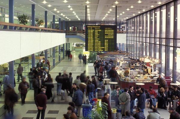 Shenefeld aeroport 1 - Аэропорт Шёнефельд