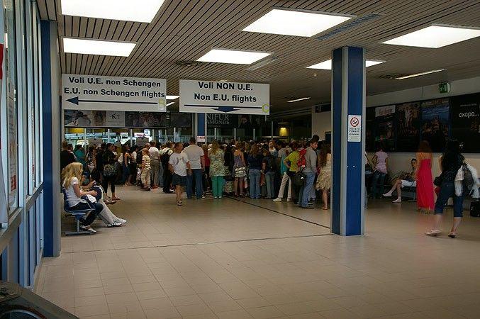 aeroport Federiko Fellini 1 - Аэропорт имени Федерико Феллини