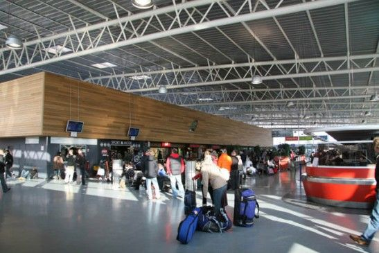 grenoble airport 2 - Аэропорт Гренобль, им. Св. Георга - GNB - LFLS