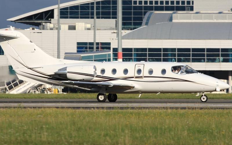 Beech Beechjet 400 3 c800x500 - Основные преимущества VIP авиации
