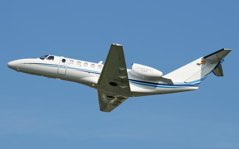 Beech Beechjet 400 6 c800x500 - Основные преимущества VIP авиации