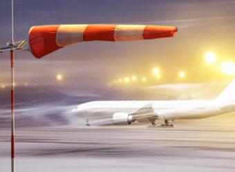В Мурманске авиалайнер из Петербурга сел лишь с третьей попытки