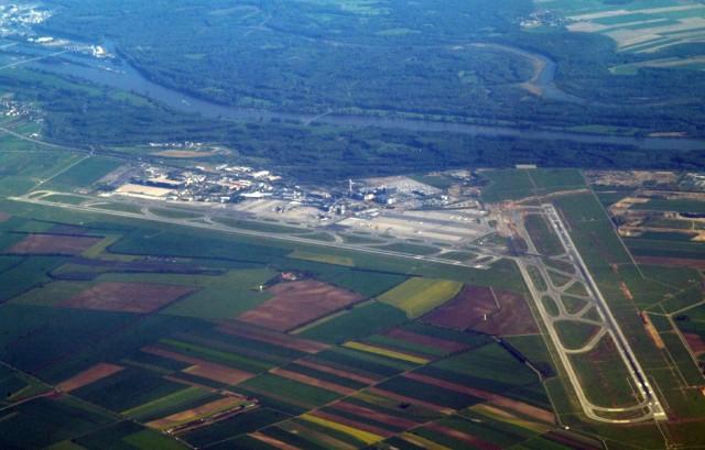 Schwechat - Австрийский суд заблокировал расширение аэропорта Вены
