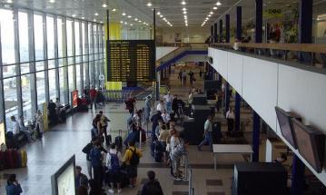 В берлинских аэропортах проходит забастовка наземного персонала