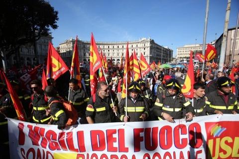 Забастовки вызвали паралич воздушного движения в Италии
