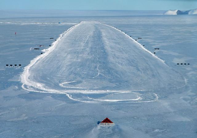 Китай намеревается построить аэродром в Антарктиде