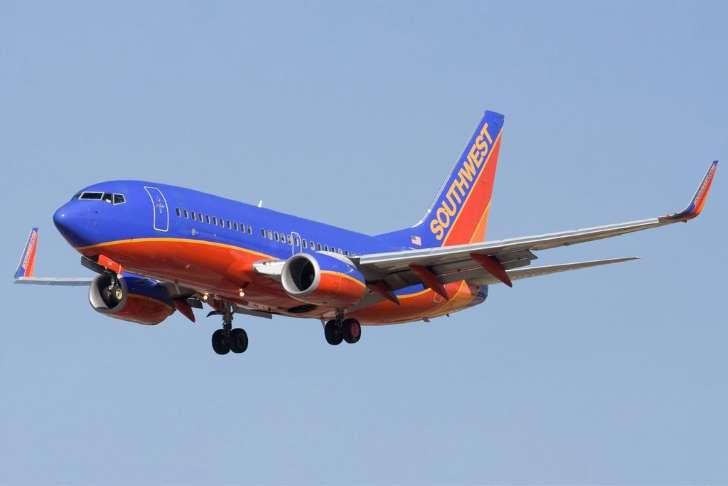 Очередная потасовка на борту самолета в США