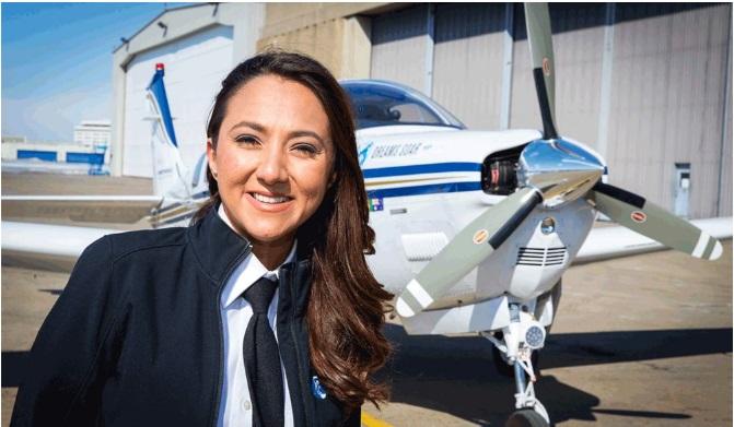 Афганская женщина-пилот отправилась в одиночное авиапутешествие вокруг света