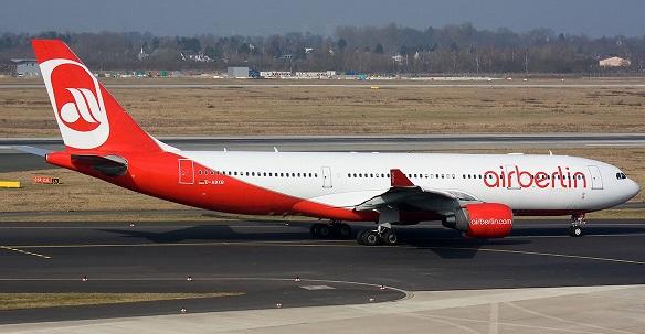 Лайнер Air Berlin могли отправить в полет с дырой в фюзеляже