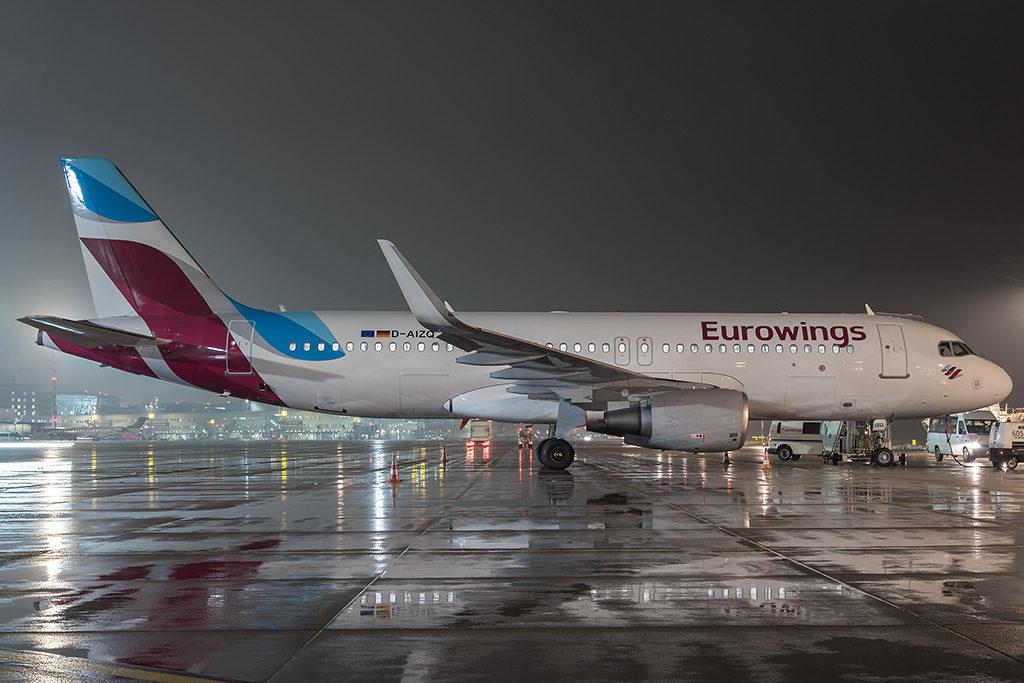 Самолет авиакомпании Eurowings совершил вынужденную посадку в Праге