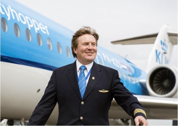 Вторым пилотом одного из голландских бизнес-джетов оказался король страны