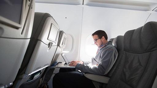 laptop1 - В США намереваются запретить проносить ноутбуки в прилетающие из Европы самолеты