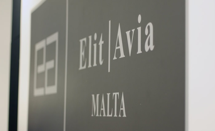 malta - Elit'Avia получила сертификат эксплуатанта Сан-Марино