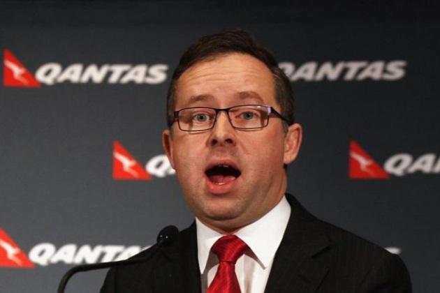 quantas - Главу австралийской авиакомпании Quantas измазали тортом