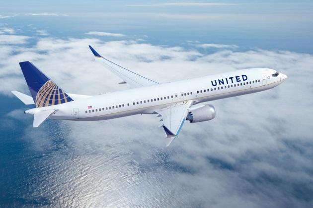 united2 - Одна из пассажирок United Airlines вместо Парижа улетела в Сан-Франциско