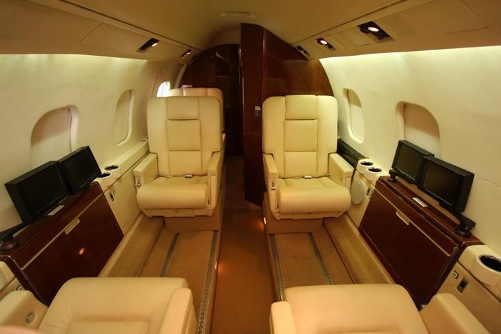 289153 345cc2826a80612b7f61fa93345c8da0 920X485 - Bombardier Learjet 55