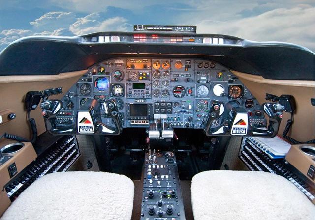 290064 0c49fb4949cbcaeeb77376434c9eb4d3 920X485 - Bombardier Learjet 25D