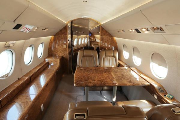 291556 ed96036d45586bdb634b54c27988cfa8 920X485 - Dassault Falcon 2000