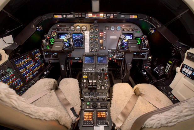 292903 1b0776e9be2d2bf9272429bc28b96fcf 920X485 - Hawker Beechcraft 400XP