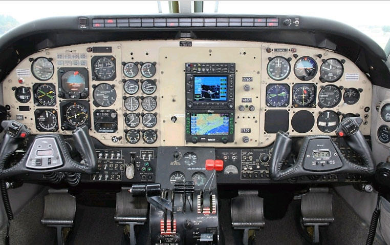 293427 8aad2f85afb1ab5b6a8d0abdb017848f 920X485 - Beechcraft King Air B100