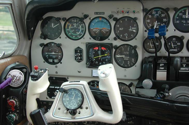 293920 15d840688b410802774a26382f29adf9 920X485 - Beechcraft 55 Baron