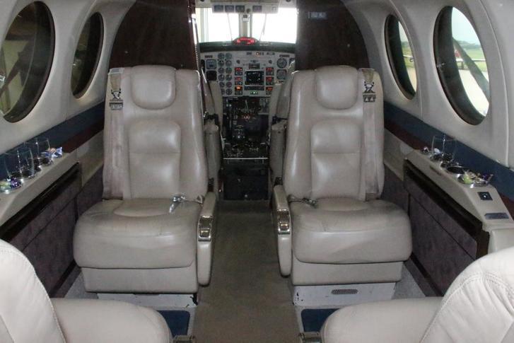 beechcraft king air 350 292417 ef77b53bab1f4330ab7bc24a07424fc1 920X485 - Beechcraft King Air 350