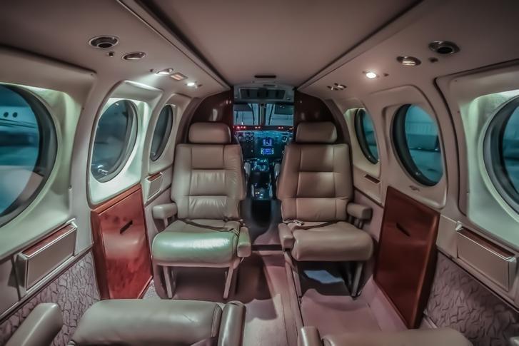 beechcraft king air c90 292357 5241ef46818f3a2cd4cdbbf603c41079 920X485 - Beechcraft King Air C90