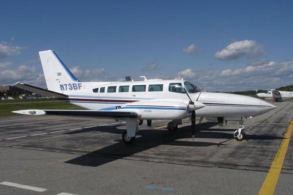 cesna4 - Cessna 404