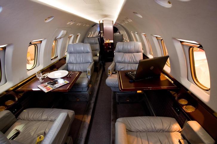 hawker beechcraft 800a 294135 ca600a8c2da8ec8cd71694cad1567e82 920X485 - Hawker Beechcraft 800A