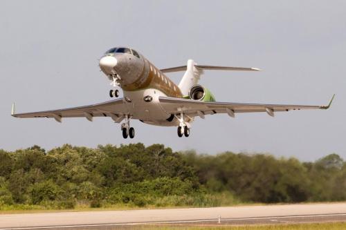 Legacy 500 из Мельбурна совершил первый полет