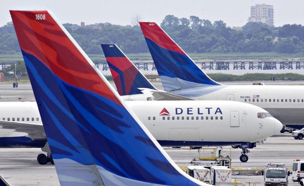 Clip2net 170722151911 - Delta Airlines отказала семье в перелете из-за вшей
