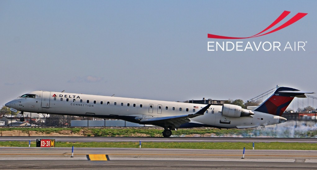 Clip2net 170729161818 - Авиарейс Endeavour Air задержали из-за ссоры пилота и стюардессы