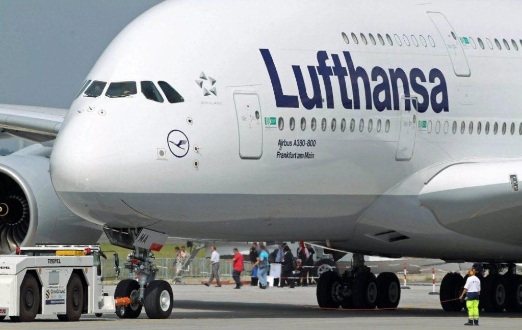 Lufthansa 1024x648 - Самолет Lufthansa изменил маршрут из-за жары