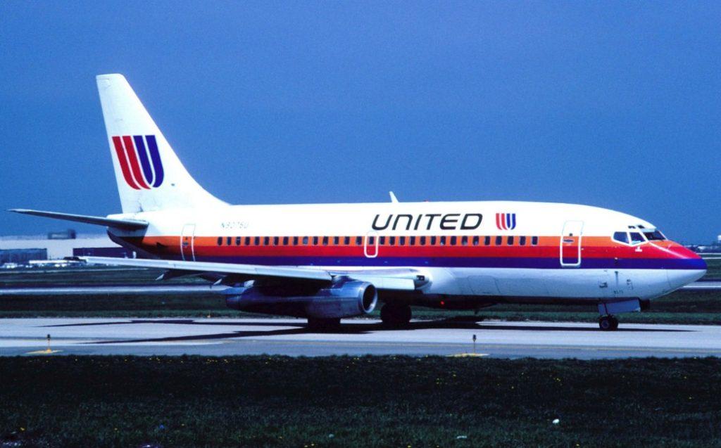 Сотрудники United Airlines сломали инвалидное кресло пассажира