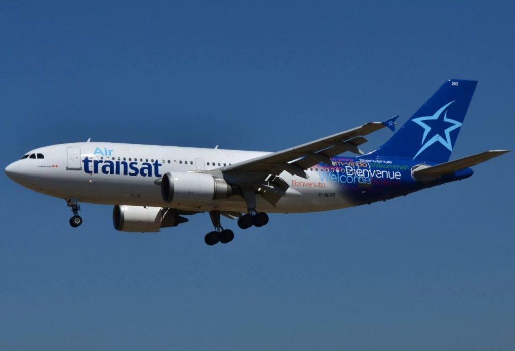Пассажиры авиакомпании Air Transat остались без багажа