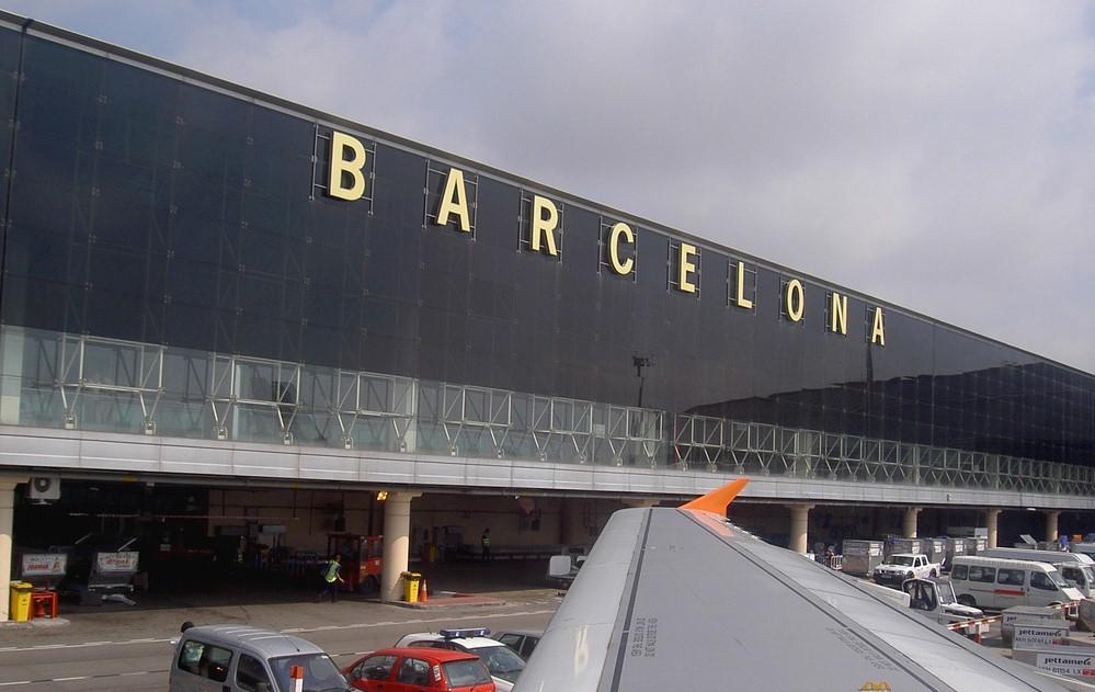 Clip2net 170812112238 - Аэропортом Барселоны будут управлять силовики