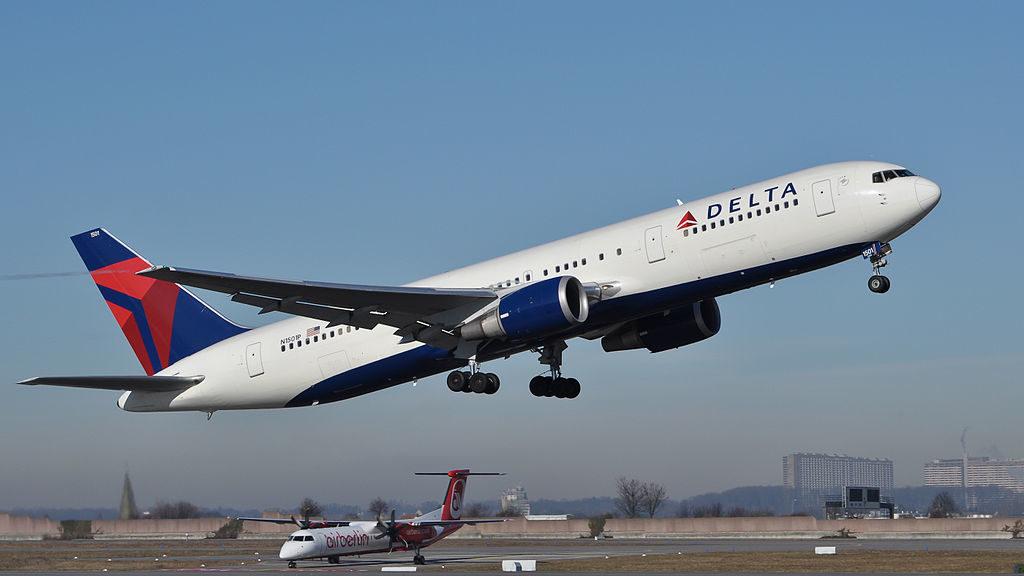 В начале сентября Delta Air Lines прекратит полеты в Россию