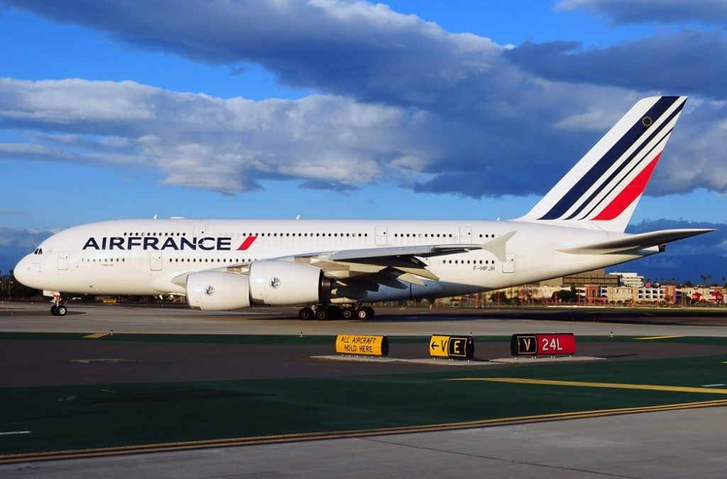 Air France выставит авиабилеты на аукцион