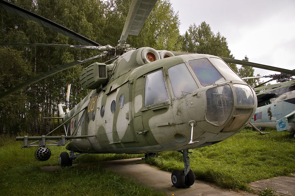 Mi 8 - В России запретят использование вертолетов старше 25 лет