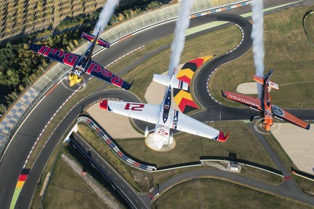 На финал Чемпионата Red Bull Air Race 2017 - на личном бизнес-джете