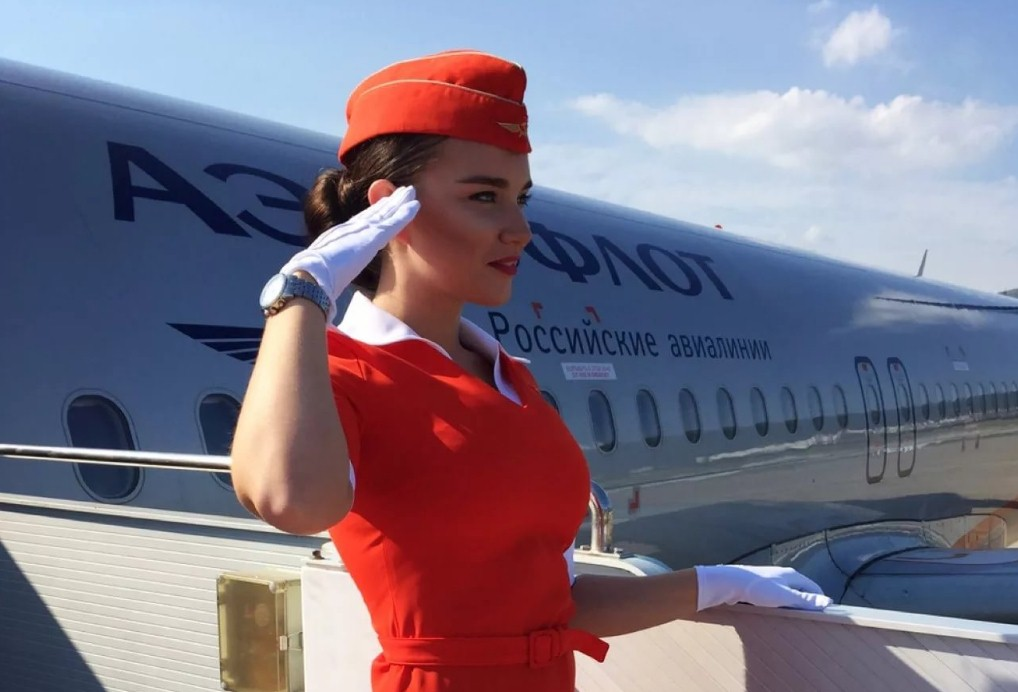 """ae`roflot - Требования """"Аэрофлота"""" к параметрам стюардесс незаконные"""