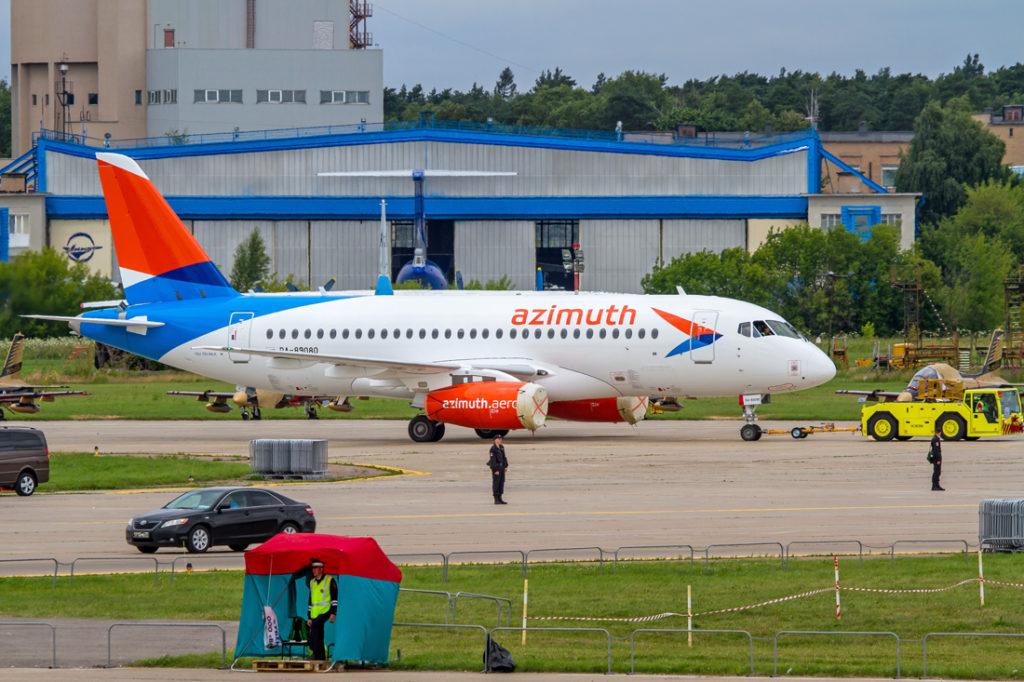 """azimut 1024x682 - Авиакомпания """"Азимут"""" выйдет на международные маршруты"""