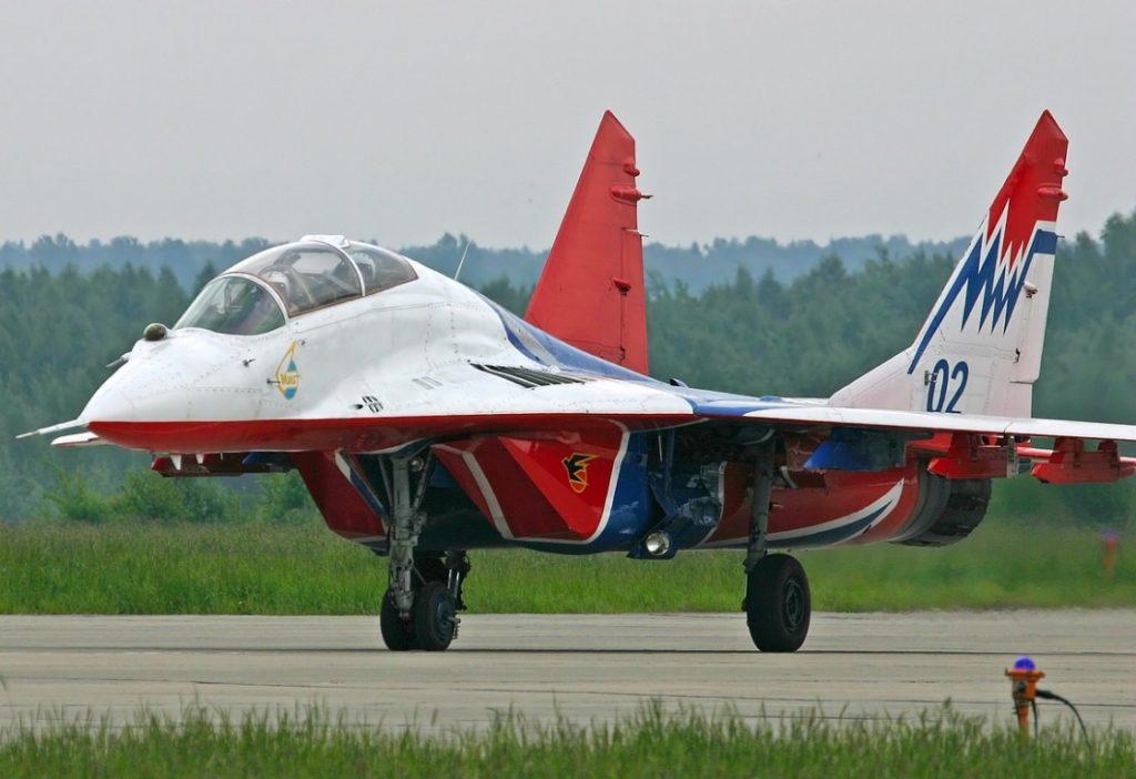 Clip2net 171021155718 1024x702 - В США распродают советские истребители МиГ-21 и МиГ-29