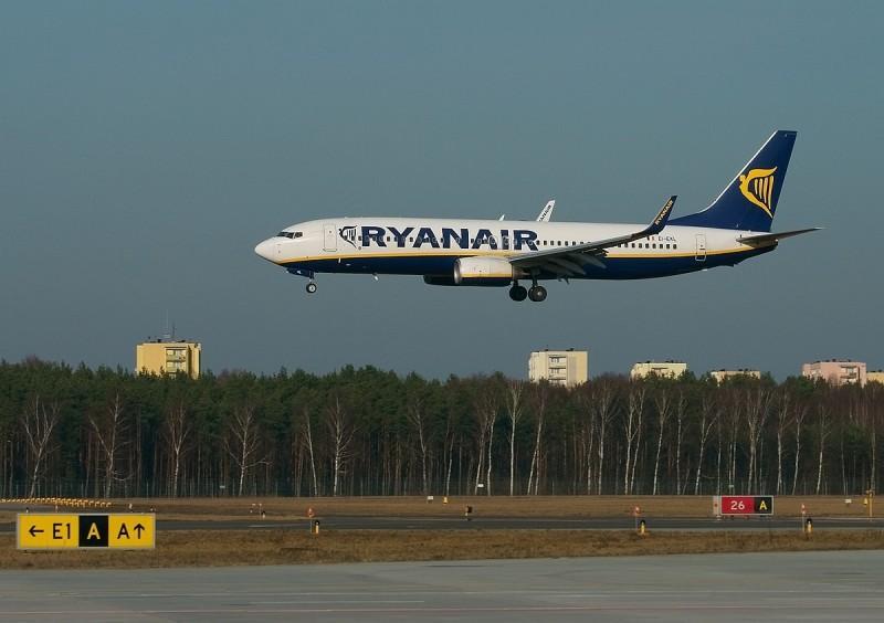 Ryanair 1 - Ryanair  под огнем критики Еврокомиссии и Европарламента