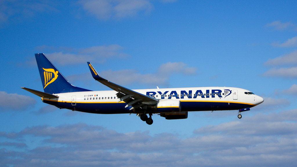 Ryanair 1024x576 - В самолете авиакомпании Ryanair нашли подозрительный сверток
