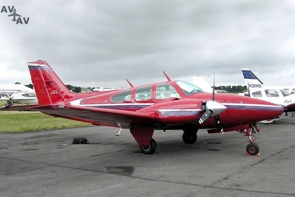 Beech BE55 Baron PrivateFly AA1104 - Charter a Beech BE55 Baron - Аренда